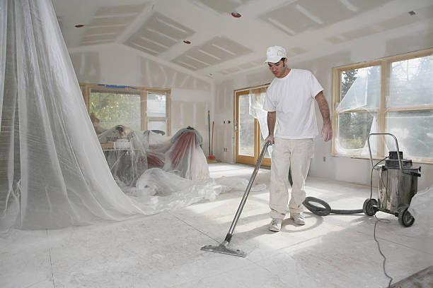 Déblaiement gravats dans une maison après travaux