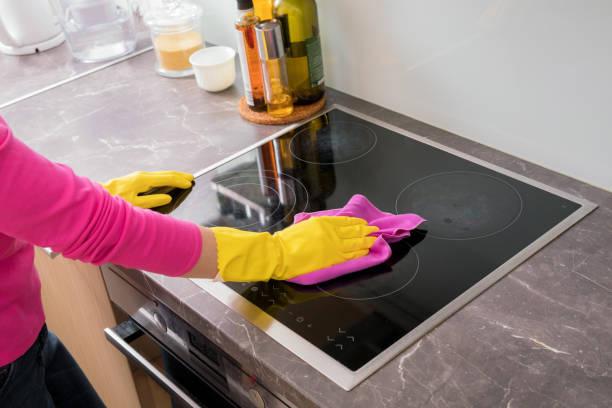 Nettoyage de cuisinière et sa plaque