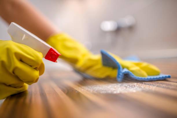Nettoyage du plan de travail